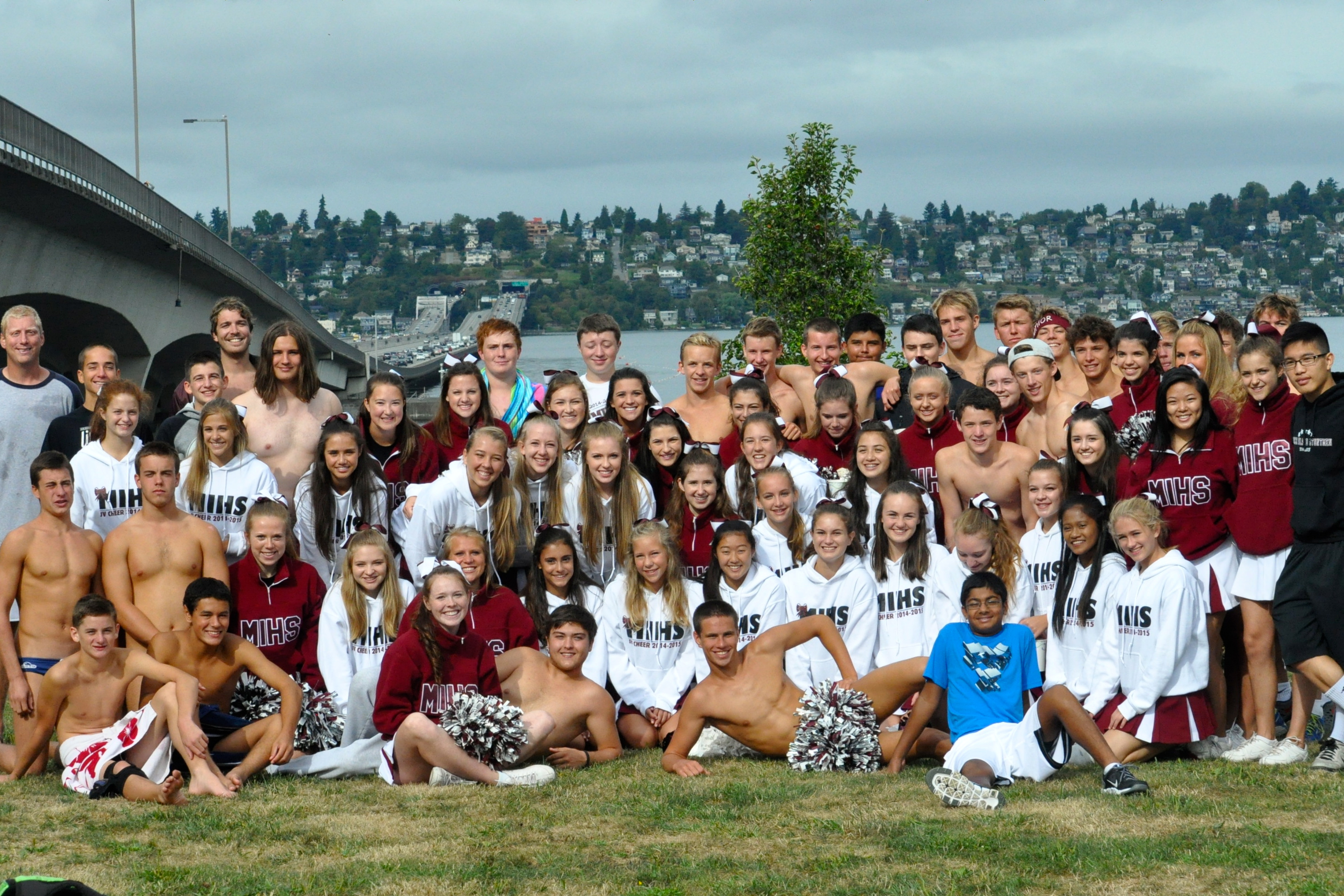 Team And Cheerleaders 2014 Swimmers In Lake 2014. The Mercer Island ...